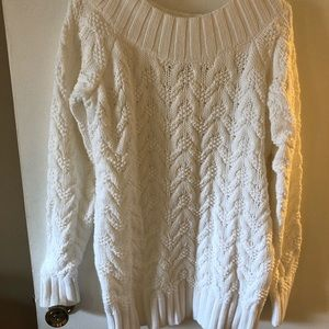 Vineyard Vines white cable knit sweater